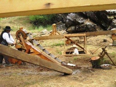 columbia diggins child gold mining