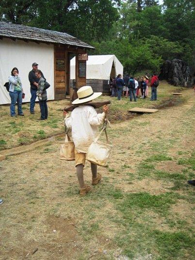 columbia diggins gold mining boy