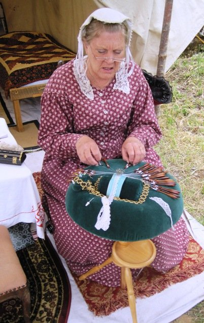 columbia diggins lace maker