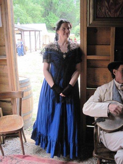 columbia diggins saloon girl