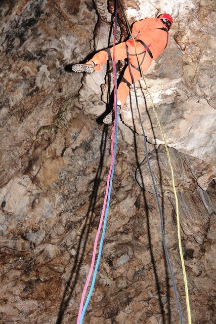 moaning cavern rappel vallecito