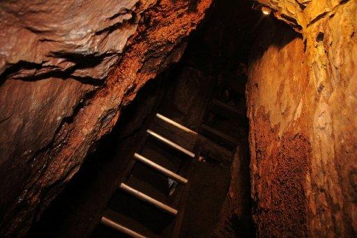 moaning cavern walk tour