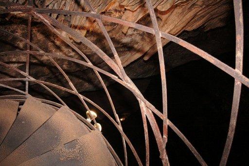 moaning cavern walking tour
