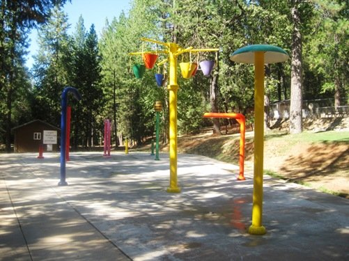 spray park gold country campground